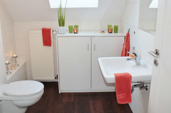4 ideas para aprovechar el espacio en baños pequeños